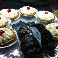 Photo taken at Boulangerie Casa de Pães by Renan F. on 12/27/2012
