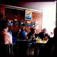 Das Foto wurde bei 821 Cafe von Arielle K. am 9/22/2012 aufgenommen