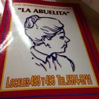 Foto tirada no(a) Sopes La Abuelita por Jorge T. em 5/4/2014