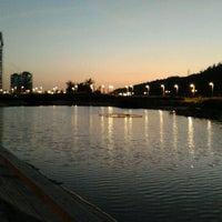 Foto tirada no(a) Parque Bicentenario por Alvaro G. em 2/1/2013