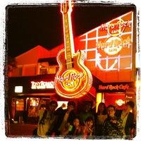 Photo taken at Hard Rock Cafe Tokyo by Juntz on 6/2/2013
