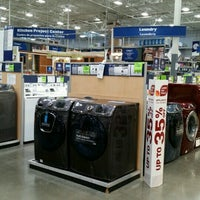 Photo taken at Lowe's Home Improvement by MYS on 9/6/2016