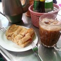 Photo taken at Tee Yok by Orathai P. on 6/22/2013