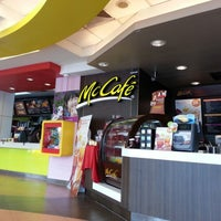 Photo taken at McDonald's & McCafé by Orathai P. on 9/27/2012