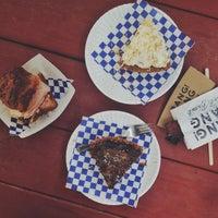 Das Foto wurde bei Bang Bang Pie Shop von Kelly am 9/12/2013 aufgenommen