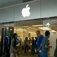 Photo taken at Apple Pentagon City by Grace M. H. on 11/10/2012