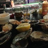 Foto tomada en Anastasi Seafood por Melah T. el 12/4/2014