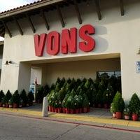 Photo taken at VONS by Waldo C. on 11/20/2017