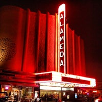 Foto tomada en Alameda Theatre & Cineplex por Jennifer el 8/5/2013