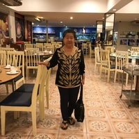 Photo taken at Je Ngor's Kitchen by Cherry on 10/1/2017