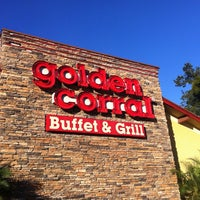 Photo taken at Golden Corral by Jesi on 12/22/2012