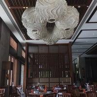 Photo taken at Vintana, Shangri-La's Boracay Resort & Spa by Marivic Lopa Silva on 12/7/2017