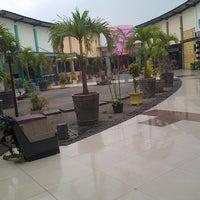 Photo taken at KFC by Syaiful S. on 10/12/2012