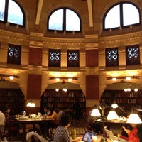 Photo taken at Fisher Fine Arts Library by Sunny Yoonsun J. on 12/9/2012