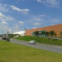 Foto tirada no(a) Joinville Garten Shopping por Marcelo A. em 1/25/2013