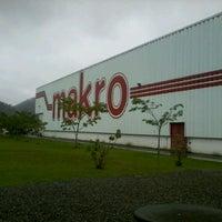 Photo taken at Makro Atacado by Marcelo A. on 10/26/2012