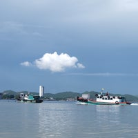 Photo taken at Koh Loi Pier by Paopae S. on 6/13/2015