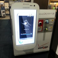 Photo taken at Best Buy by Iantuition S. on 4/12/2013