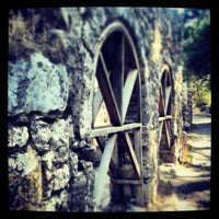 Foto diambil di Olympos Antik Kenti oleh Osman A. pada 7/9/2013