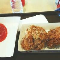 Photo taken at KFC by ⓙⓤⓛⓘⓔ on 2/13/2017