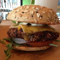 Das Foto wurde bei Hopdoddy Burger Bar von AlmostVeggies.com am 1/25/2013 aufgenommen