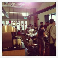 Das Foto wurde bei Chye Seng Huat Hardware Coffee Bar von Ze Hao L. am 12/22/2012 aufgenommen