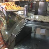 Photo taken at Confeitaria Pastitalia by Rodrigo P. on 7/13/2016