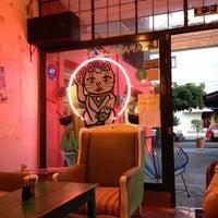 Photo taken at Uma Uma Japanese Kitchen by Abelardo A. on 7/24/2013