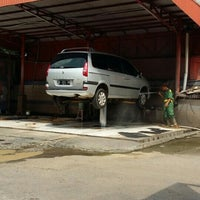 Photo taken at Klinn & Klinn Car Wash by M Ragah W. on 5/25/2016