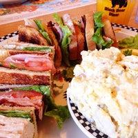 Photo taken at Yreka Black Bear Diner by MinTz on 8/25/2014