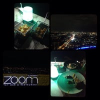 Foto tirada no(a) Zoom At Sathorn Sky Bar And Resturant por BesutoKung S. em 8/7/2016