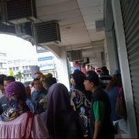Photo taken at Jabatan Pendaftaran Negara (JPN) by Foxy Bee on 2/14/2013