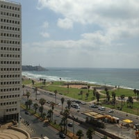 Photo taken at Dan Panorama Tel Aviv (דן פנורמה) by Jonathan S. on 6/29/2013