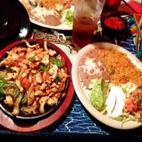 Photo taken at El Tapatio by Nikesh P. on 7/9/2014
