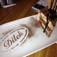 Foto tirada no(a) Dilek Pastanesi por Atilla em 10/21/2012