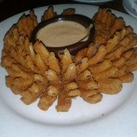 Foto tirada no(a) Outback Steakhouse por Dany M. em 10/18/2012