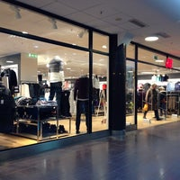 Photo taken at H&M Guldsmeden by Thomas E. on 11/22/2013