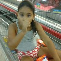 Foto tirada no(a) Superbom Supermercado por molô a. em 1/8/2013
