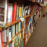 Das Foto wurde bei Unabridged Books von David P. am 12/26/2012 aufgenommen