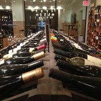 Foto tirada no(a) Union Square Wines & Spirits por David K. em 4/1/2013