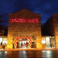 Das Foto wurde bei Trader Joe's von Taryn am 9/21/2013 aufgenommen