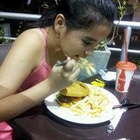 Foto diambil di Dinos oleh Claudia V. pada 9/22/2012