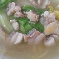 Photo taken at Restoran Hoong Wan by Michael C. on 5/3/2014