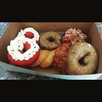 Photo taken at Gurnee Donuts by Joe M. on 10/25/2015