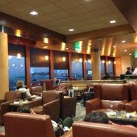 11/22/2012에 Mark W.님이 Alaska Lounge에서 찍은 사진
