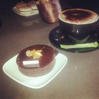 Foto diambil di Cheeky Chocolate oleh Kim pada 10/21/2012