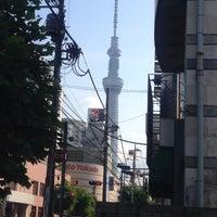 Photo taken at 京成曳舟駅 リバーサイド隅田行 シャトルバス発着所 by Hiroyuki E. on 7/2/2014