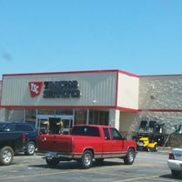 Photo taken at Tractor Supply Co. by Jeff on 9/7/2017