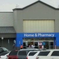 Photo taken at Walmart Supercenter by Jeff on 12/7/2016