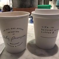 Foto tirada no(a) Daily Provisions por Lauren S. em 3/18/2017